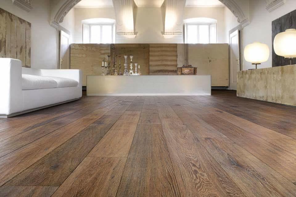 les parquets barrate une valeur s re. Black Bedroom Furniture Sets. Home Design Ideas